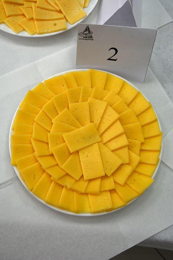 «Российский молодой» сыр торговой марки Laime