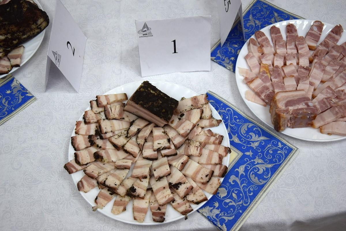 Сало с чесноком и черным перцем МК «Микоян»