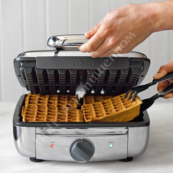Электрические вафельницы появились только в 70-х г.г. 20-го века.